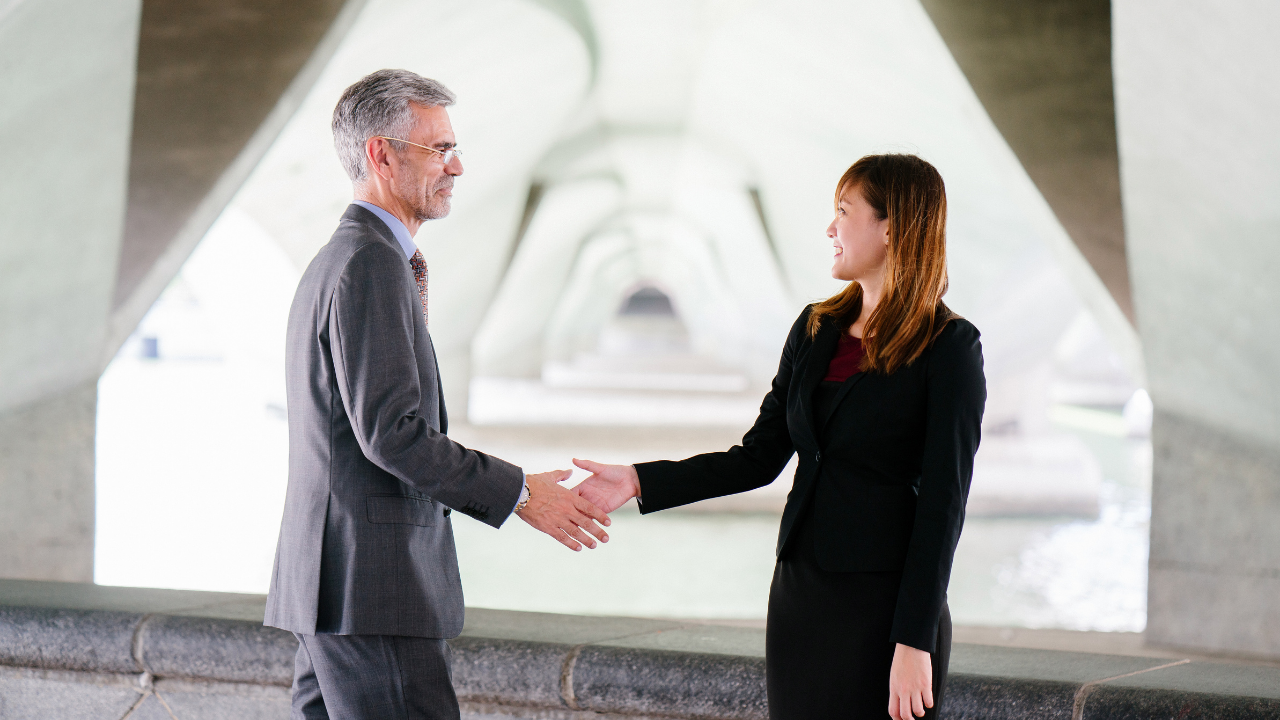 Wie Du Rapport in Kundengesprächen aufbaust